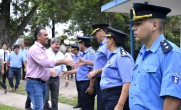 FORTALECIMIENTO A LA SEGURIDAD: EL VICEGOBERNADOR ENTREGÓ CAMIONETA A LA POLICÍA DE BASAIL