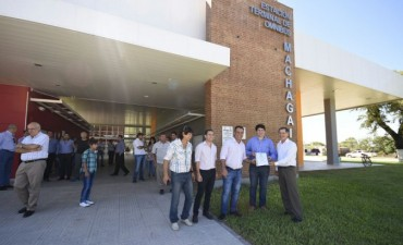 EL VICEGOBERNADOR INAUGURÓ LAS REFACCIONES DE LA TERMINAL DE MACHAGAI