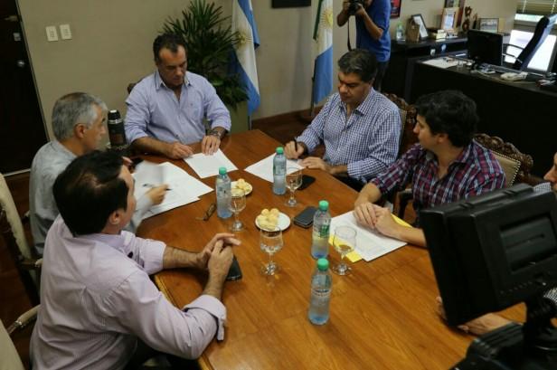 Municipio y Provincia firman convenio para optimizar el sistema de alumbrado público de Resistencia