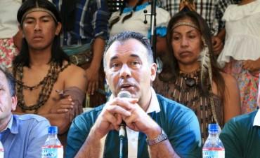 CASA DEL CHACO EN COSQUÍN: EL VICEGOBERNADOR DESTACÓ EL TRABAJO DE LOS ARTISTAS QUE PROMUEVEN LA IDENTIDAD CHAQUEÑA