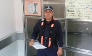 UNIFORMADO DE CAMINERA ASISTE EN EMERGENCIA DE PARTO A UNA MUJER
