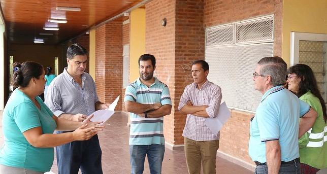 Capitanich supervisó el trabajo en centros de evacuados y detalló los programas que se ponen en marcha