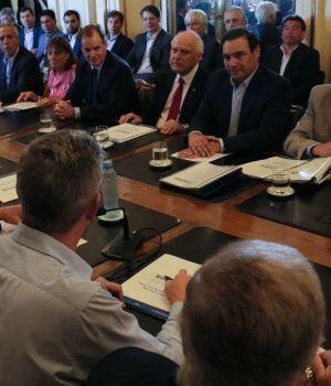 Macri, junto a gobernadores de provincias castigadas por inundaciones