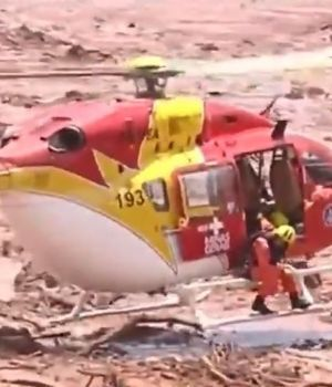 Reventó represa en Brasil: río de lodo arrasó con un pueblo y hay 50 muertos
