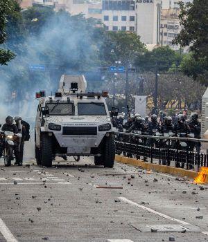 Ya suman 16 los muertos por los incidentes en Venezuela