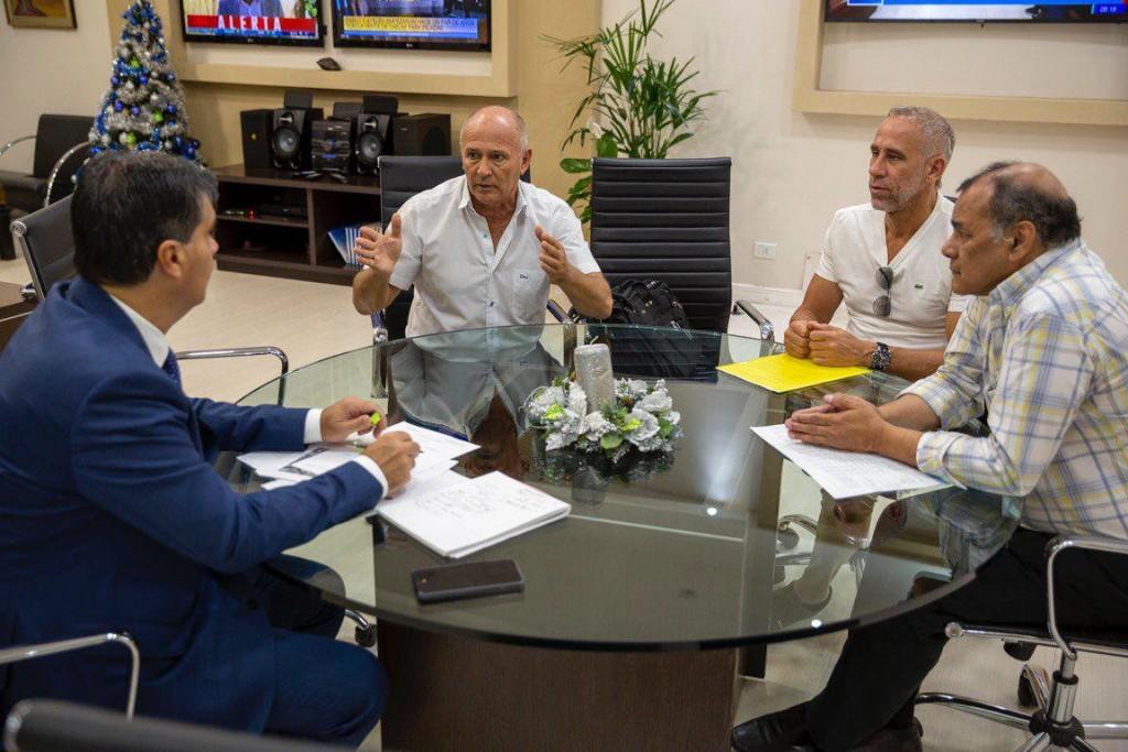 Jorge Capitanich se comprometió a implementar una tarifa diferenciada de energía eléctrica y agua para clubes chaqueños