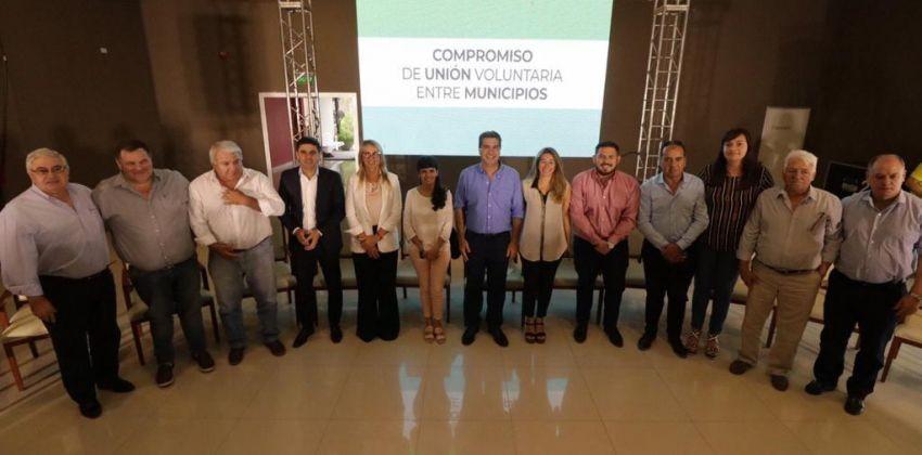 Nueva Regionalización: Con la firma del gobernador e Intendentes quedó conformada la región 8