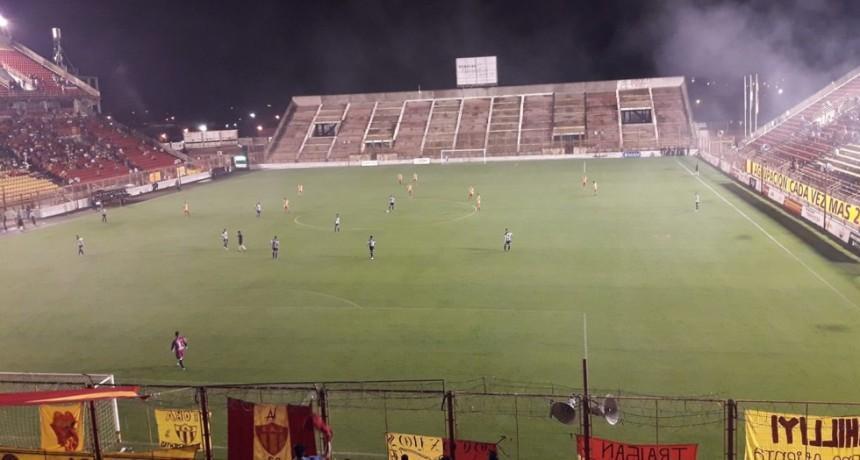 For Ever logró un buen empate ante Sarmiento en el Centenario