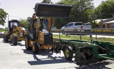 Capitanich presentó nuevo maquinaria adquirida por el municipio