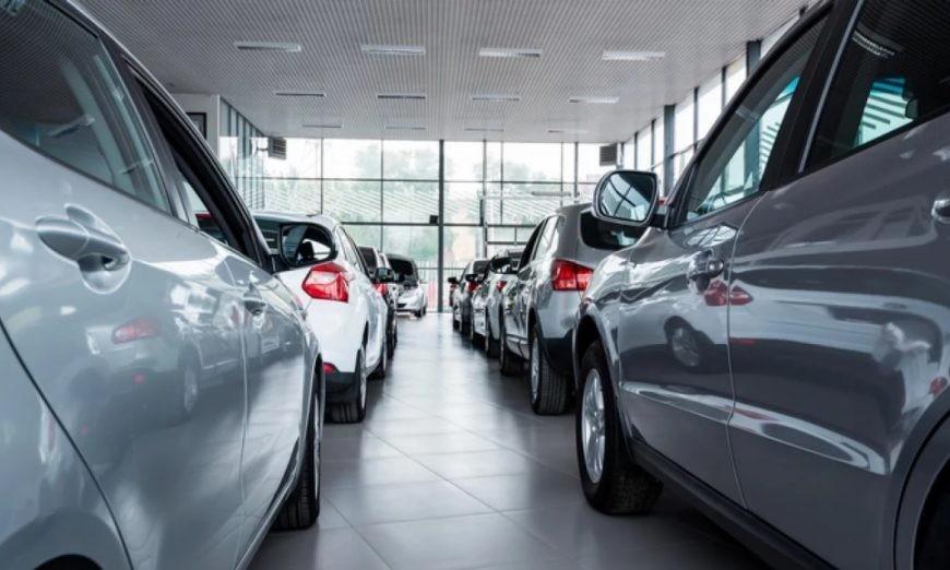 Los patentamientos de autos se derrumbaron un 25,6 % en enero