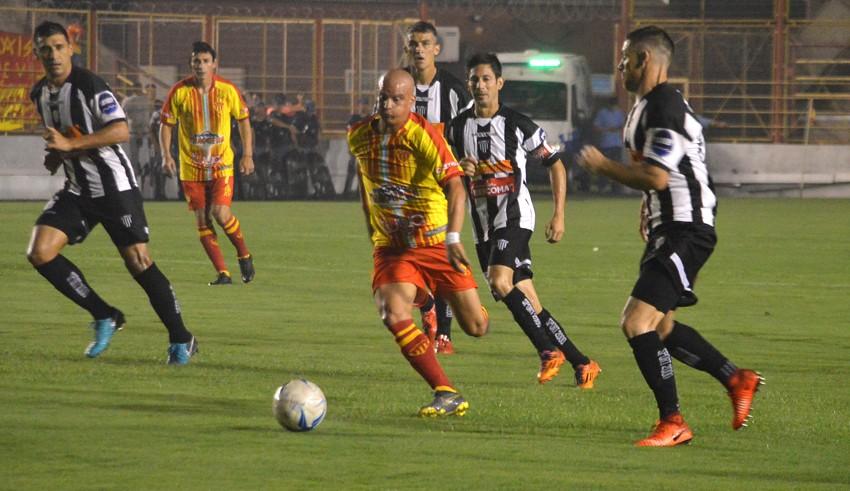 Esta noche For Ever-Sarmiento disputarán el encuentro de vuelta por Copa Argentina