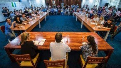 Hubo puntos de acuerdo entre el Gobierno y los gremios docentes y comenzarán las clases