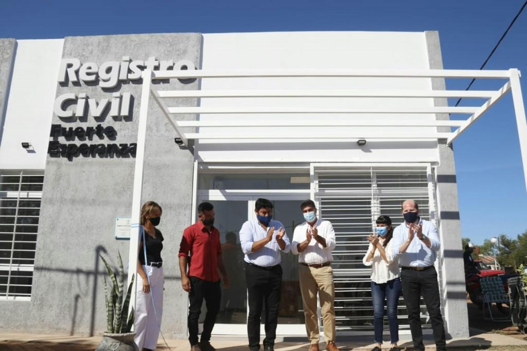 El gobierno inauguró edificios del registro civil en Fuerte Esperanza y en Comandancia Frías