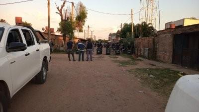 Detienen a tres personas por la mercadería secuestrada en las Garcitas y realizan allanamientos