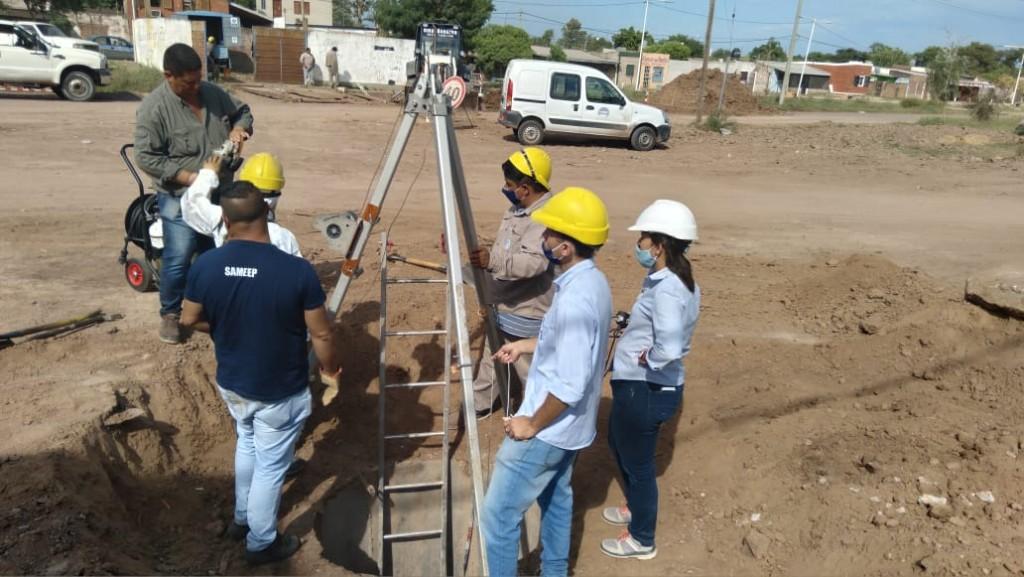 Sameep continúa ejecutando obras cloacales para mejorar la calidad de vida en Fontana
