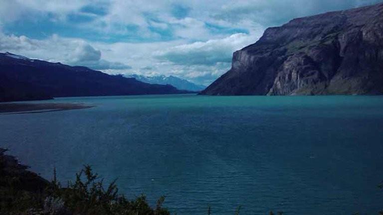 Tragedia en Santa Cruz: cuatro kayakistas murieron en el Lago Cardiel en medio de un temporal de viento