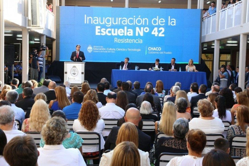 Capitanich acompañó al gobernador de la inauguración del ciclo lectivo 2017 en la EEP Nº 42 de Resistencia