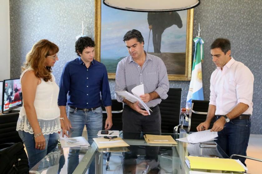 Capitanich encabezó la apertura de sobres de la licitación para sumar nuevo equipamiento al municipio