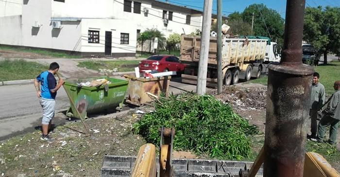 El municipio refuerza la recolección de residuos en barrios que cuenten con contenedores