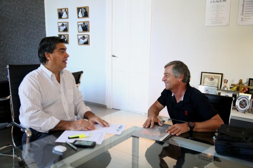 Capitanich se reunió con Alberto Salom: Proyectan una escuela de manejo de motos