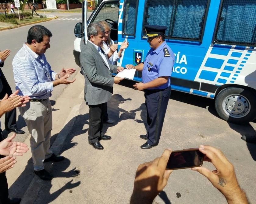SEGURIDAD PÚBLICA REFUERZA EQUIPAMIENTO Y RESPONDE DEMANDAS DE LOCALIDADES DEL SUDOESTE CHAQUEÑO