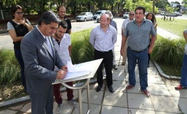Capitanich y Fundación Resistencianos firman convenio de padrinazgo para el cuidado del boulevard de la avenida Avalos
