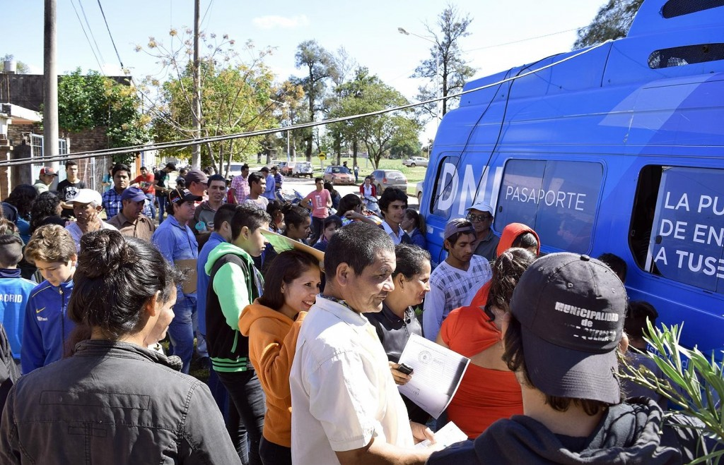 OPERATIVO DE DNI Y PASAPORTE EN DOS BARRIOS DE RESISTENCIA