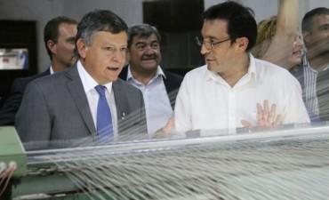 El gobernador recorrió Manufacturas de Pilar, Republica del Paraguay