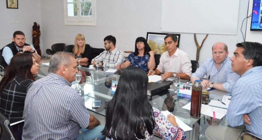 Capitanich retomó la agenda de trabajo legislativo con concejales de distintos bloques