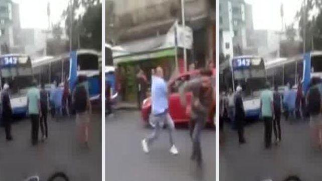 Día de furia en Ciudadela: colectiveros y ciclistas, a las piñas