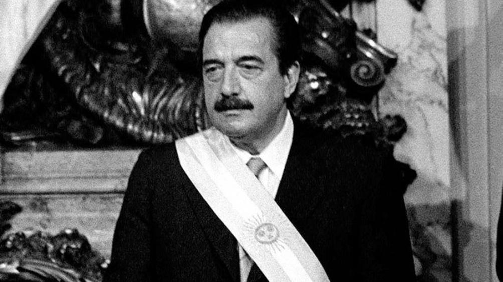 A diez años de su muerte, dirigentes radicales, peronistas y juristas rinden homenaje a Alfonsín