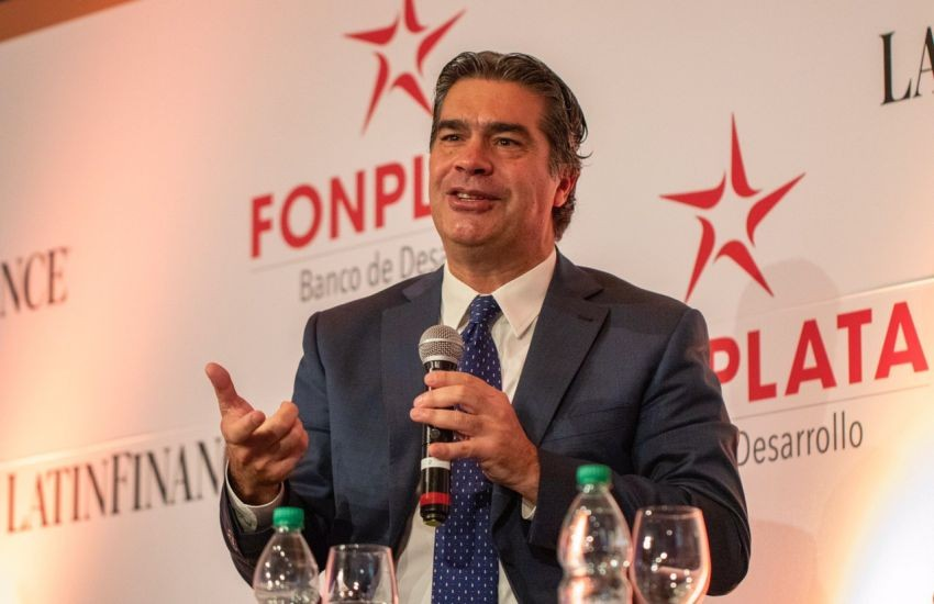 Capitanich disertó en el Foro FONPLATA realizado en Uruguay