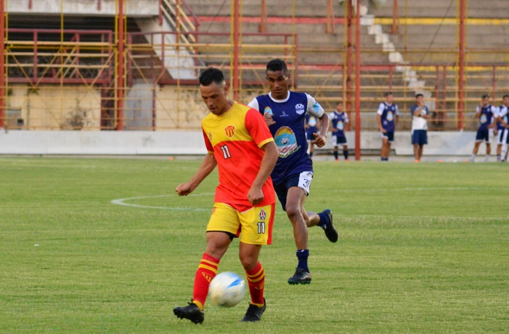 Sarmiento recibe al puntero Güemes de Santiago del Estero