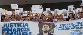 Los familiares de Marcos Misiaszek marcharon hoy junto a trabajadores de INSSSEP