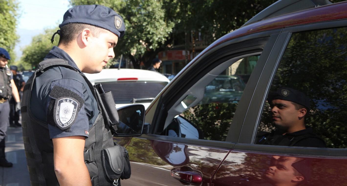 Cuarentena obligatoria: multarán a quienes no puedan justificar su presencia en la vía pública