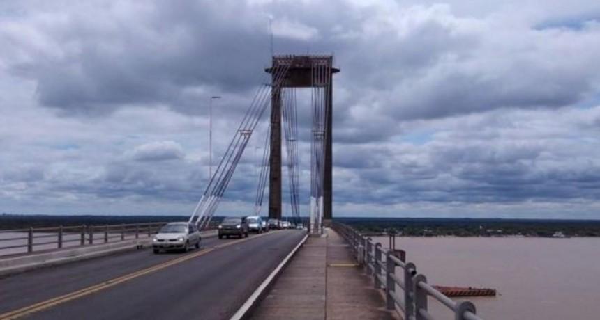Efectivos policiales evitaron que una mujer se arrojara del puente Chaco-Corrientes