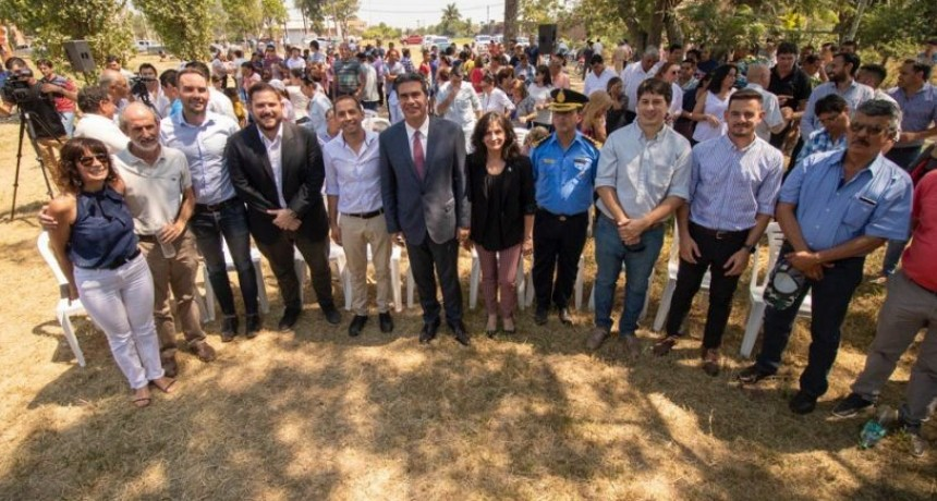 Desde Presidencia de la Plaza Capitanich encabezó la firma del convenio de cooperación entre el municipio e IFA