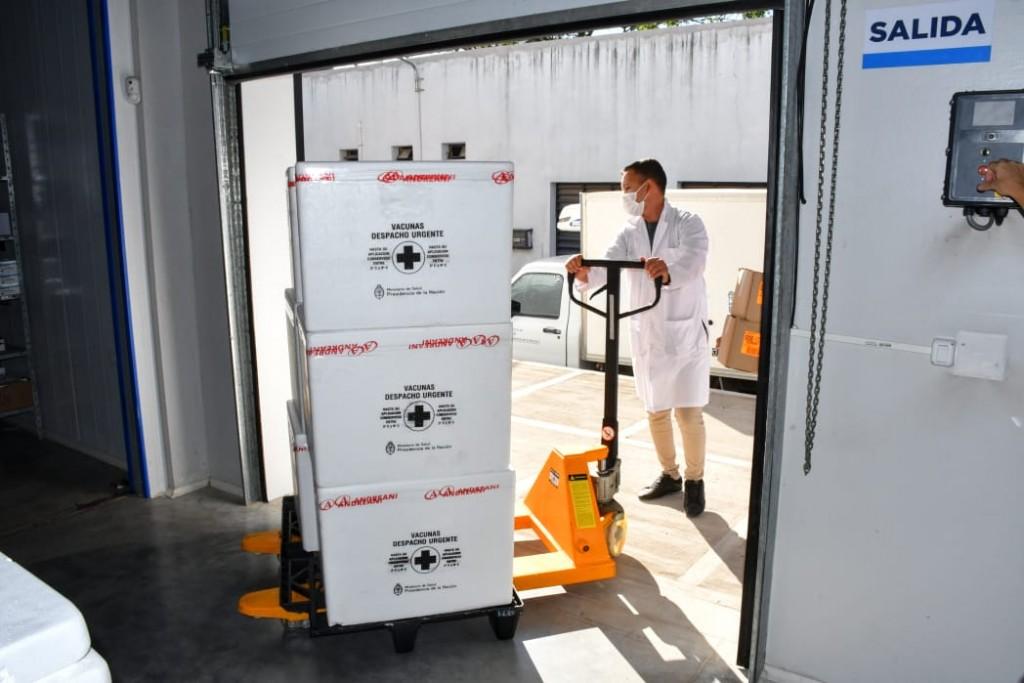 Chaco recibió un primer lote con 13.500 dosis de la vacuna Sinopharm para la campaña de vacunación provincial contra el Covid-19