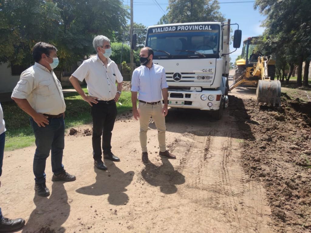 El gobierno provincial inició las obras de pavimento urbano en general San Martín