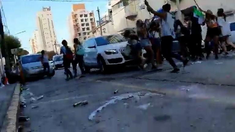#UPD: atropellaron a jóvenes que realizaban el festejo del último primer día en Mar del Plata