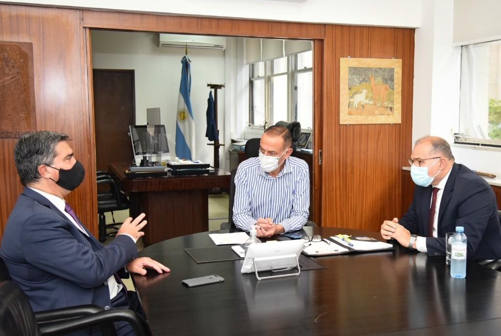 El gobernador agilizó la agenda de obras viales para el Chaco