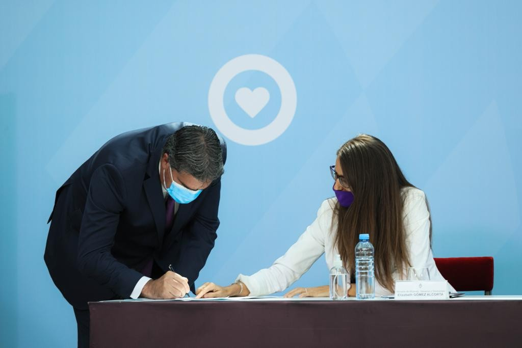 Desde Casa Rosada Capitanich suscribió el acuerdo federal contra la violencia de género