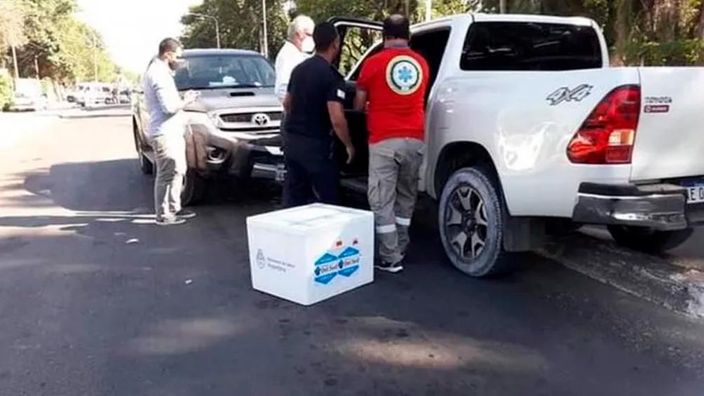 El ministro de Salud de Corrientes se descompensó y chocó una camioneta en la que llevaba vacunas