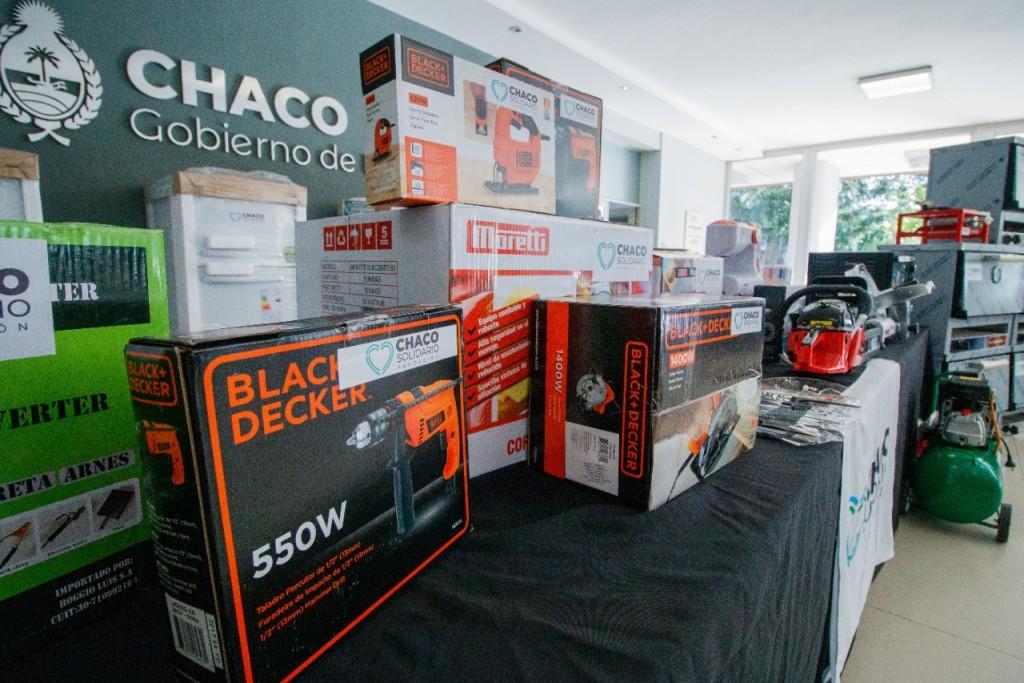 Chaco Solidario: Capitanich entregó maquinaria y herramientas para acompañar proyectos productivos y emprendimientos