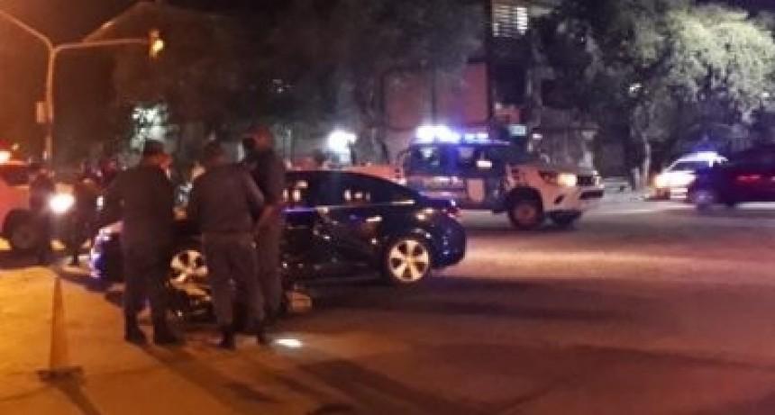 Chocaron una moto y un auto: una mujer falleció