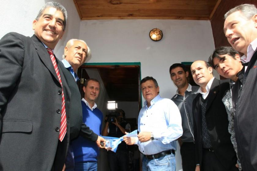 PEPPO ENTREGÓ VIVIENDA Y ASEGURÓ FORTALECER EL SISTEMA COOPERATIVO EN LA PROVINCIA