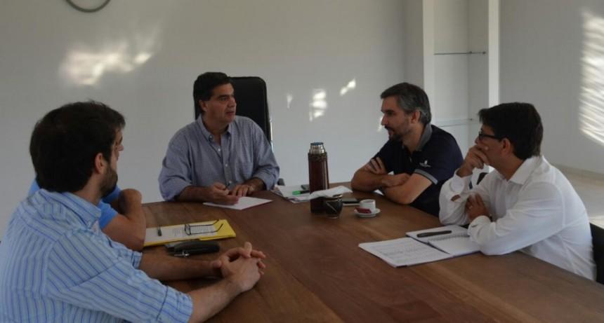 Capitanich y su gabinete analizaron múltiples temas referidos a la gestión municipal