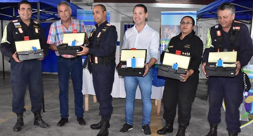 GOBIERNO ENTREGÓ EQUIPAMIENTO A LA POLICÍA CAMINERA