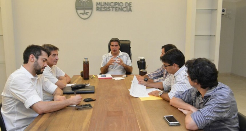 Junto a su gabinete, Capitanich avanzó con un esquema para transformar el servicio de atención 0800 del Municipio