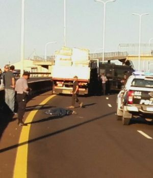 Violador de nena atropellado por camión tenía herida de bala